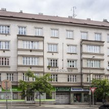 C1–90 AESCULAP commercial and apartment building