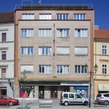 C1–324 Bohdan Pantoflíček's commercial and apartment building with the living room of Olga and Hugo Naschauer's flat